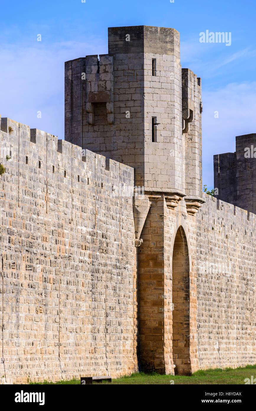 Patterne de l'arsenal Les Remparts côté Sud Aigues-Mortes,Camargue AIGUES-MORTES - FRANCE - Stock Image