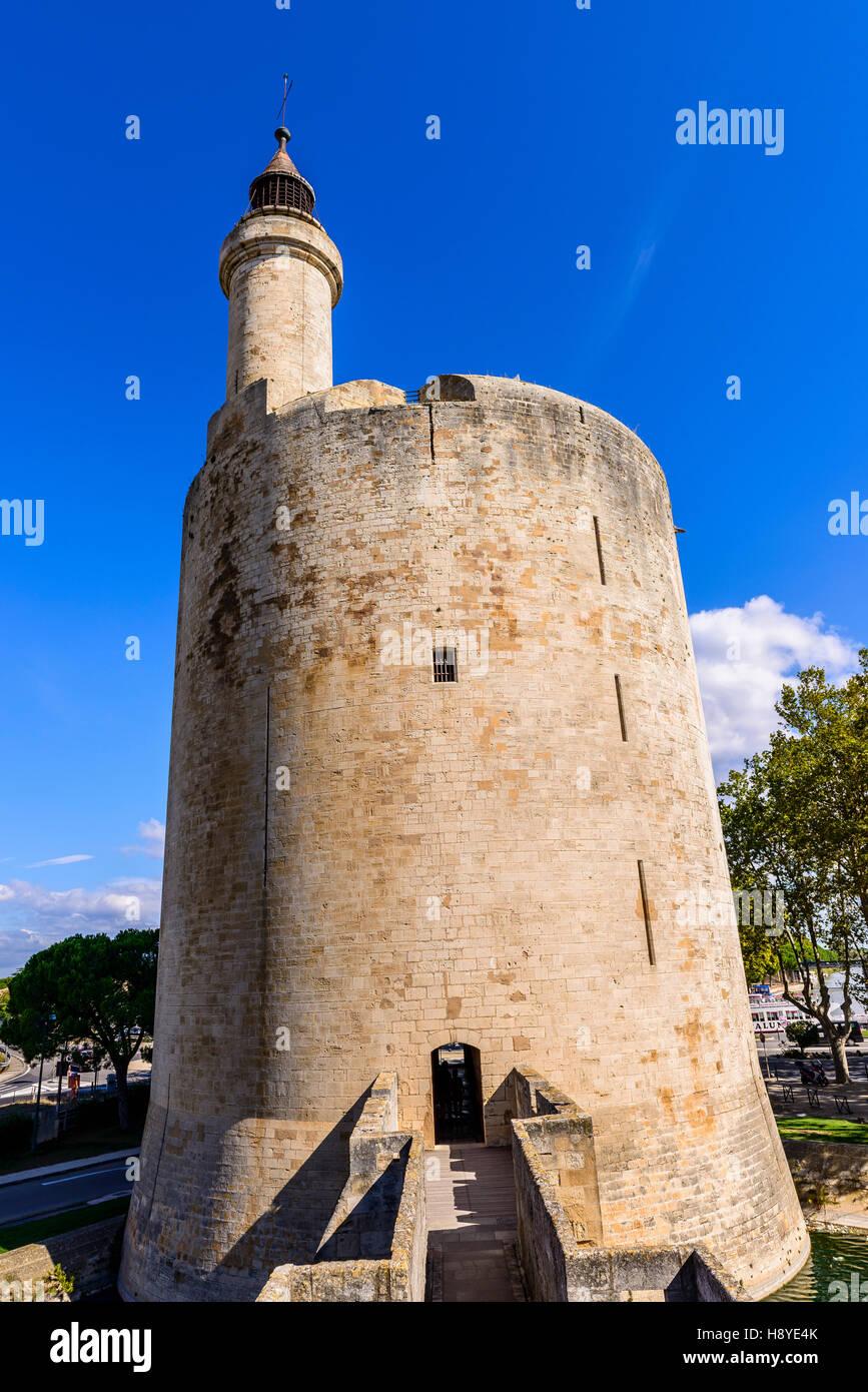 La tour Constance vue des ramparts Aigues Mortes Camargue France - Stock Image
