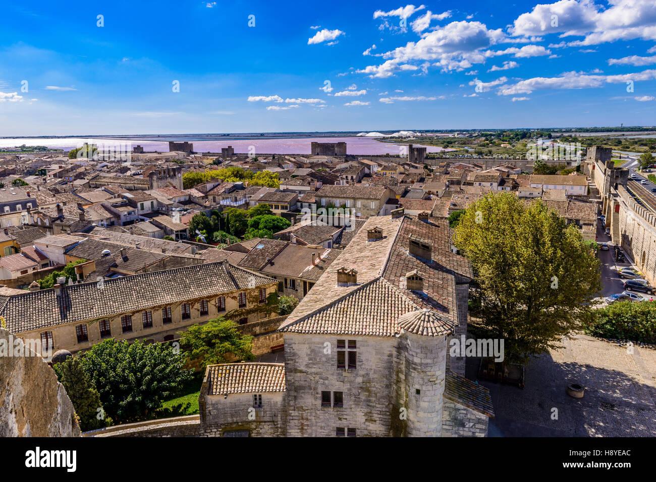 Vue des Remparts sur  la ville d'Aigues-Mortes,Camargue AIGUES-MORTES - FRANCE - Stock Image