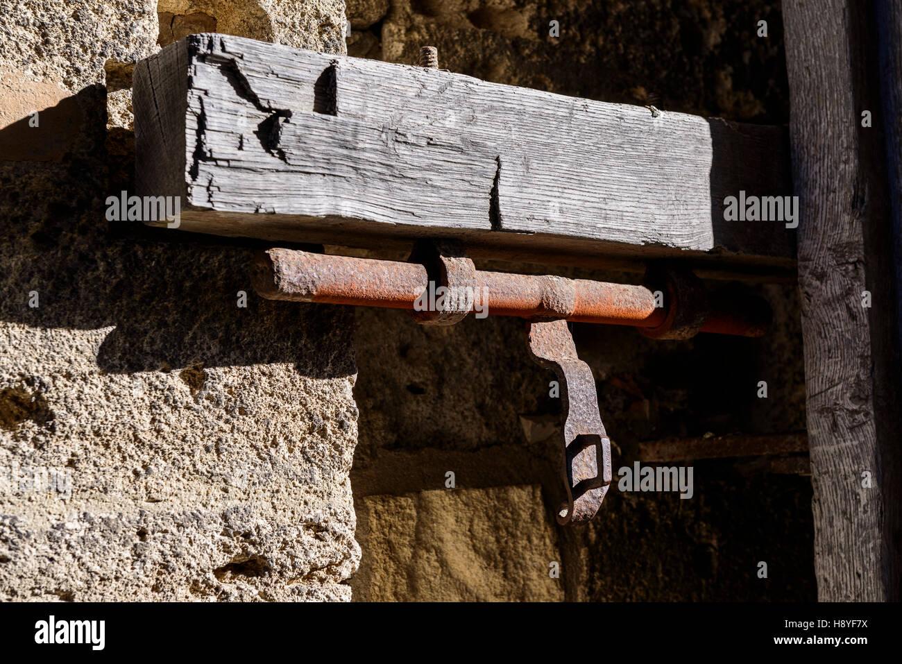 Fermeture de la Porte des Moulins ou Porte Neuve Les Remparts côté Sud Aigues-Mortes,Camargue - FRANCE - Stock Image