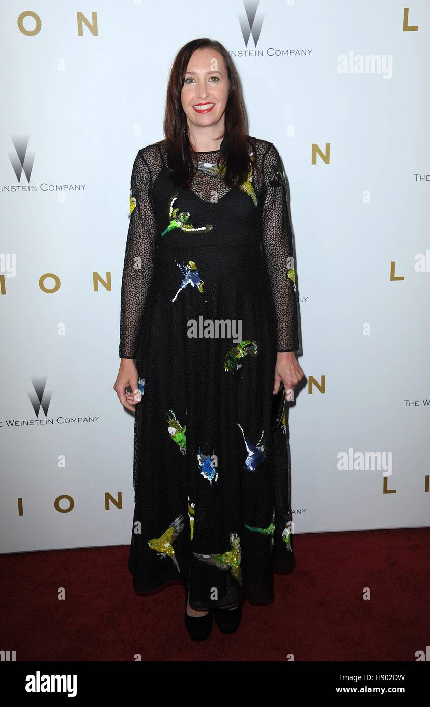New York, NY, USA. 16th Nov, 2016. Angie Fielder at arrivals for 'Lion' Premiere, Museum of Modern Art (MoMA), - Stock Image