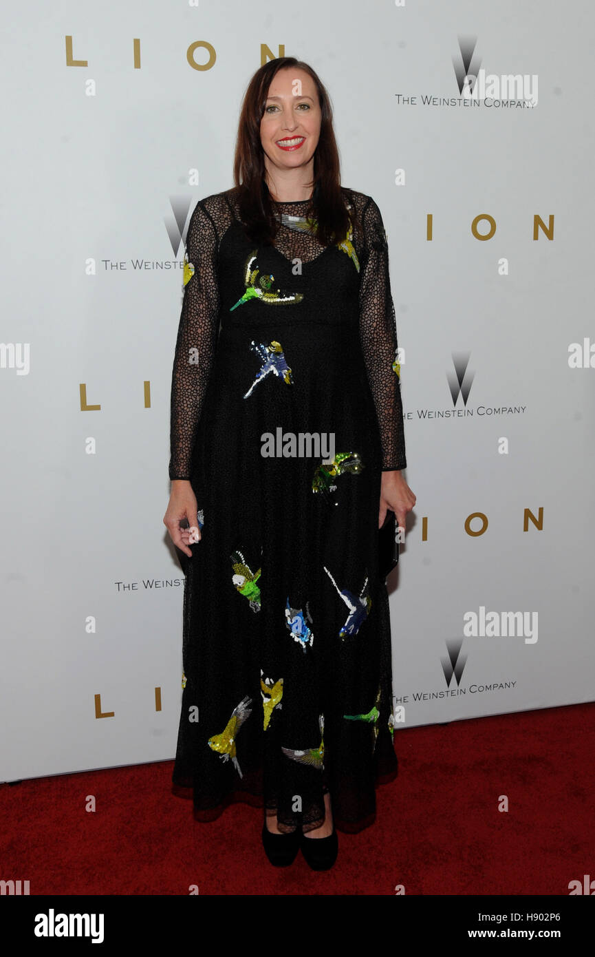 New York, USA. 16th November 2016. Angie Fielder attend the New York premiere of the Weinstein Company's 'Lion' - Stock Image