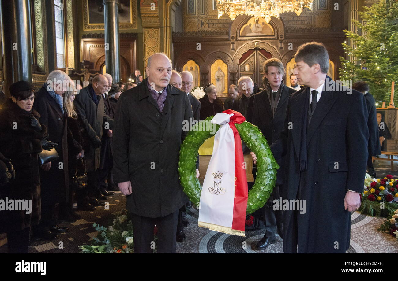 Copenhagen, Denmark. 10th Jan, 2017. Paul Edward Kulikovsky, great grandson of Grand Duchess Olga Alexandrovna (L - Stock Image