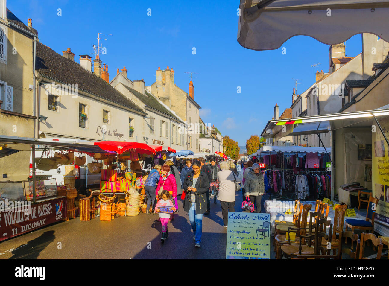 BEAUNE, FRANCE - OCTOBER 15, 2016: Market scene with various product, sellers and shoppers, in Beaune, Burgundy, - Stock Image