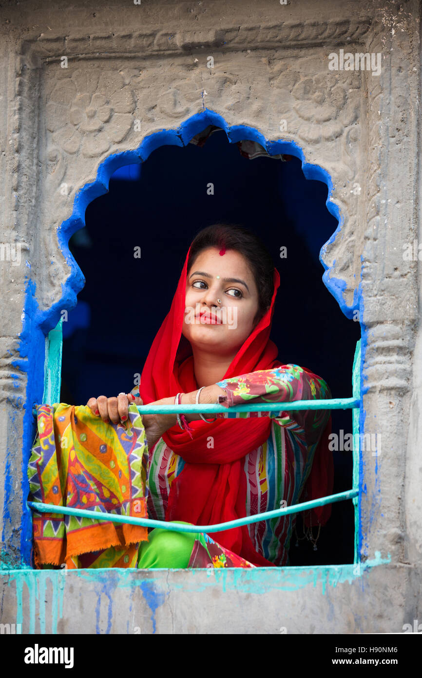 Woman in colorful sari, Jodhpur, Rajasthan, India - Stock Image