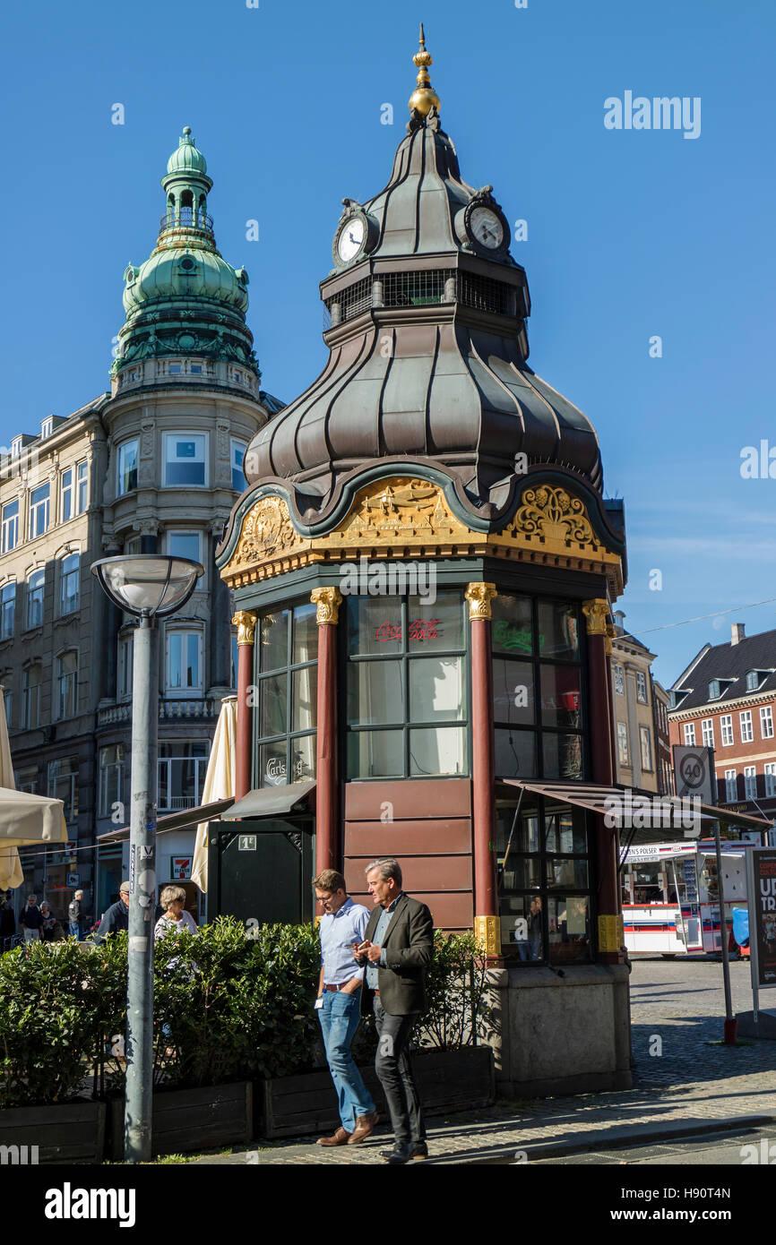 Old kiosk at Kongens Nytorv, New Square, Copenhagen, Denmark, Scandinavia - Stock Image