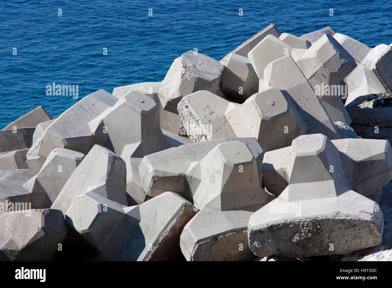 Concrete breakwaters in Adriatic sea - Stock Image