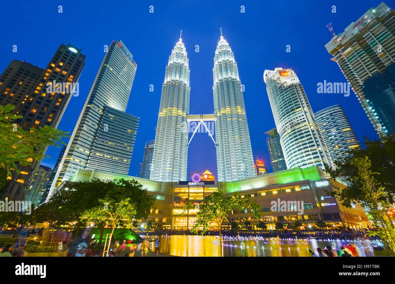 Night view of Petronas twin towers in Kuala Lumpur, Malaysia Stock Photo