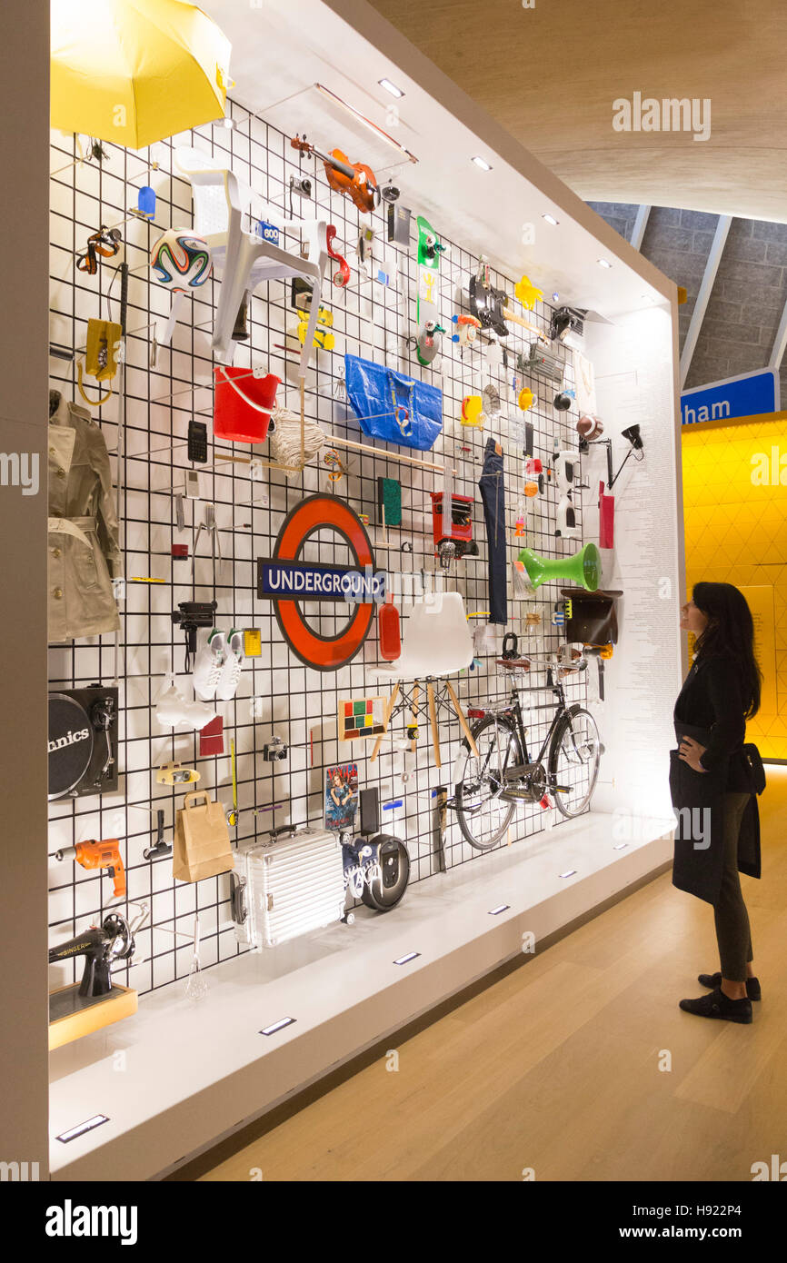 London, UK. 17 November 2017. Press preview. The Design Museum opens in its new home on Kensington High Street, Stock Photo