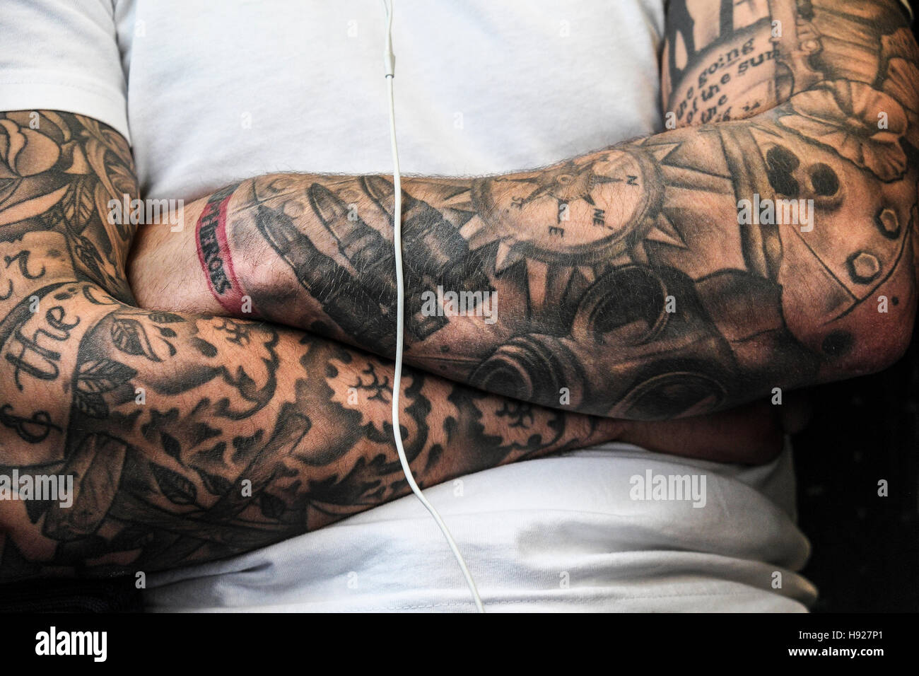 A man with heavily tattooed arms Stock Photo  126054489 - Alamy 985c44d768a3