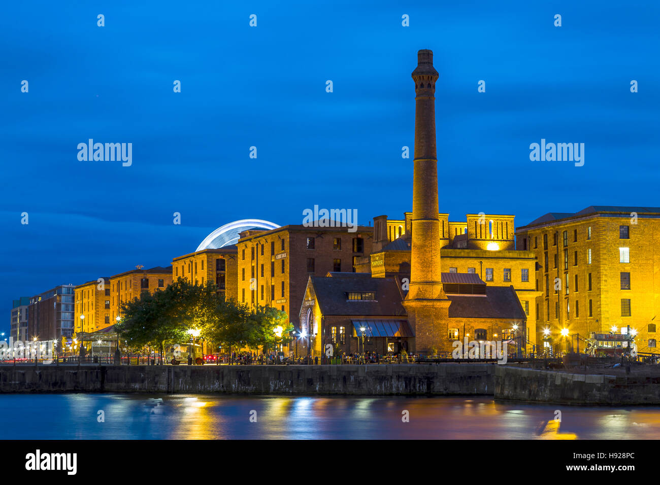 The Albert Dock during the blue hour in Liverpool. - Stock Image