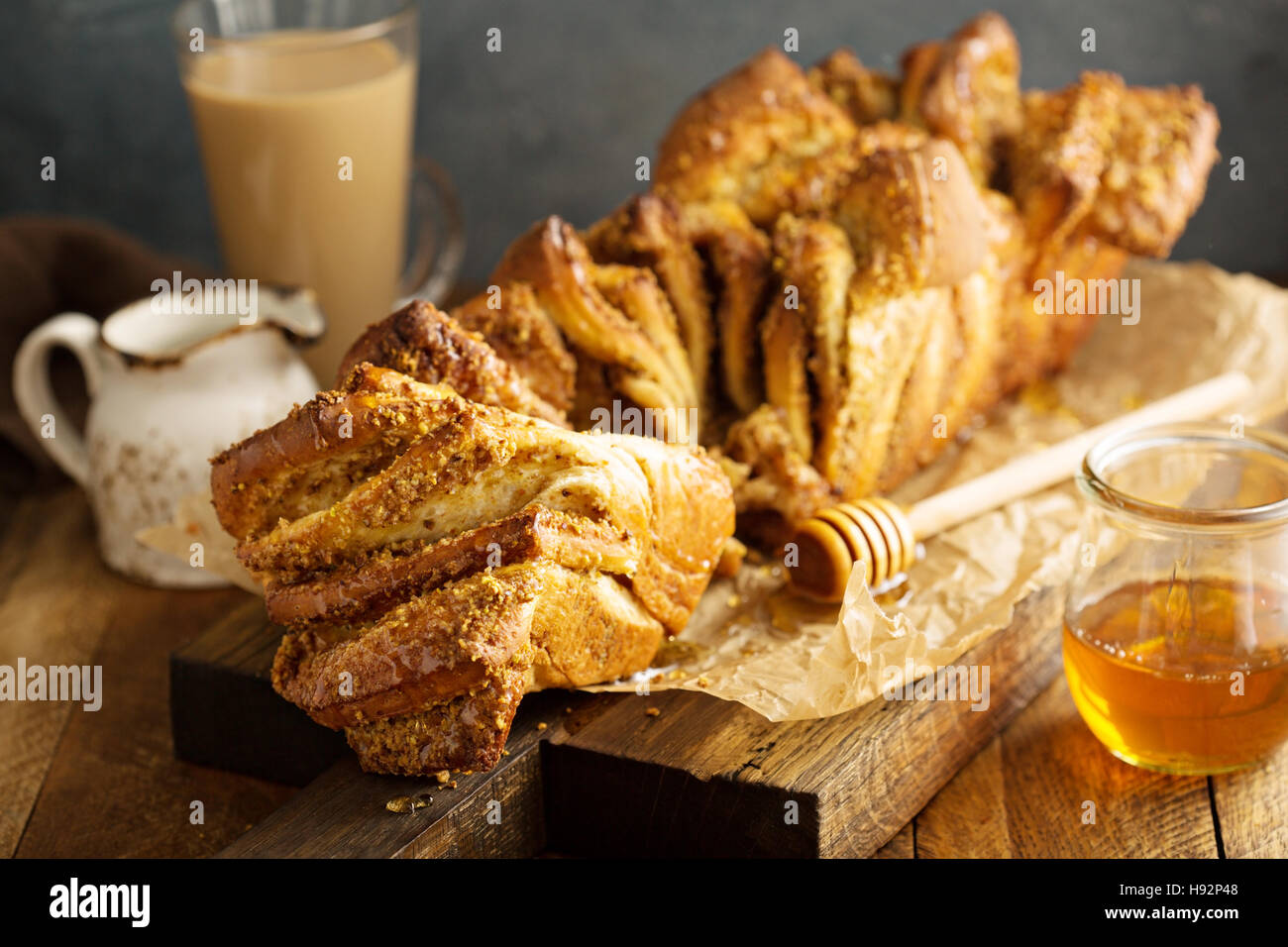 Honey and nuts pull-apart bread - Stock Image