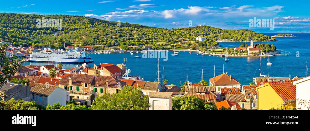 Harbor of Vis island panorama, Dalmatia, Croatia - Stock Image