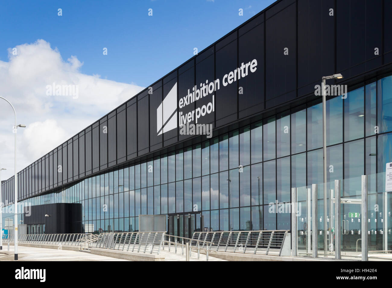 Liverpool Exhibition Centre on Kings Dock Liverpool waterfront, not far from sister venues BT Convention Centre - Stock Image