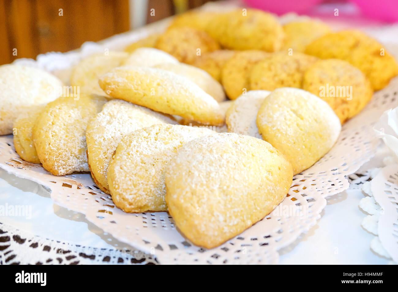 Raviole Bolognesi Raviole di San Giuseppe traditional Emilia Romagna dessert recipe italian cooking - Stock Image