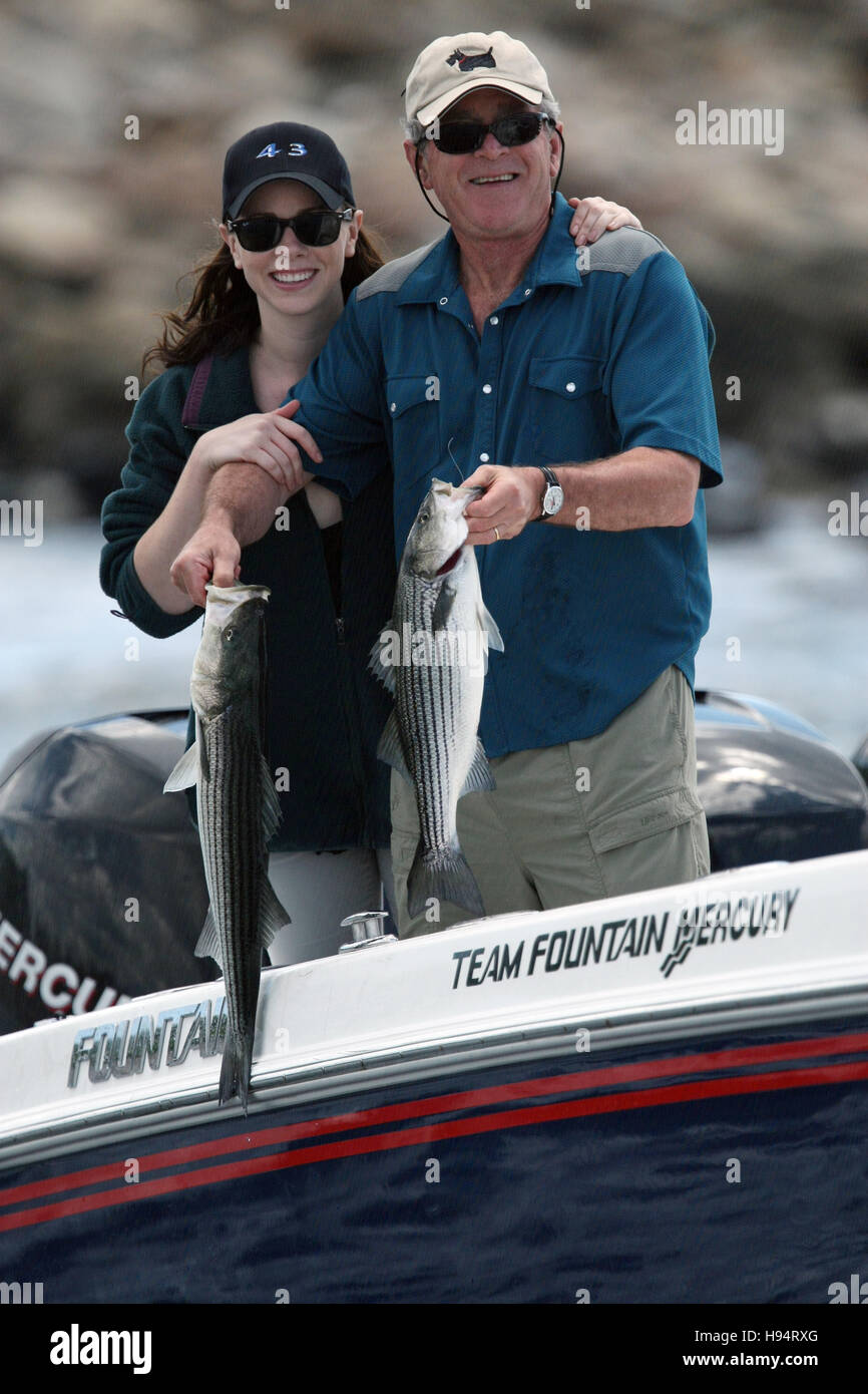 U.S. President George W. Bush and daughter Barbara Bush fishing at Walkers Point June 30, 2007 in Kennebunkport, - Stock Image