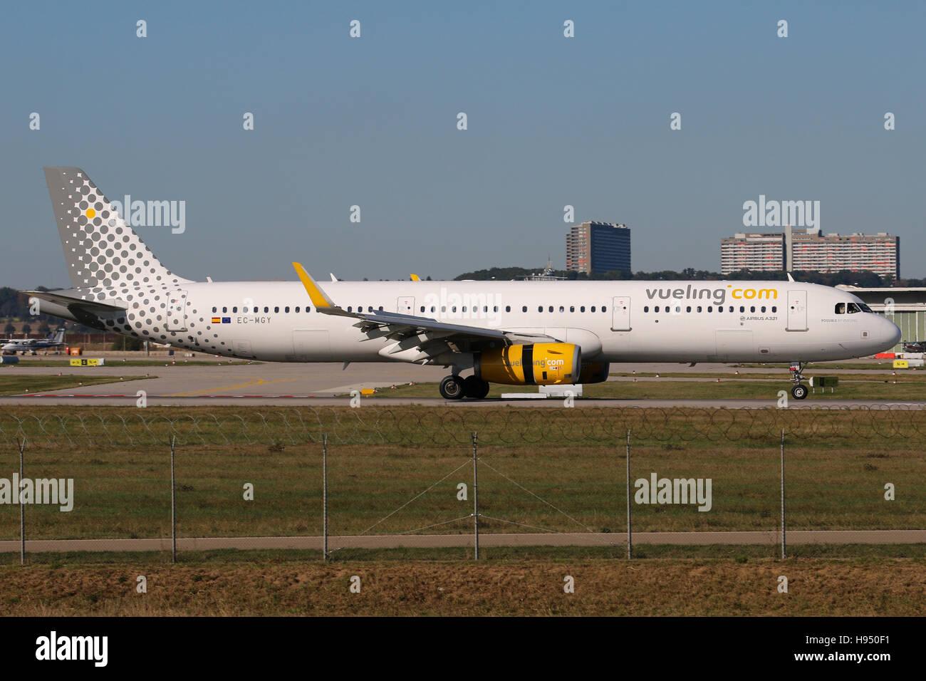 Stuttgart, Germany – October 16, 2016: Vueling, Airbus A321 at Stuttgart Airport - Stock Image
