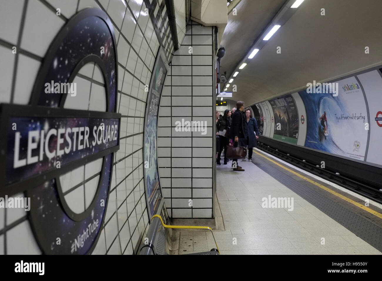 London, UK. 18th November 2016. Night Tube services will begin on the Charing Cross branch of the Northern Line - Stock Image