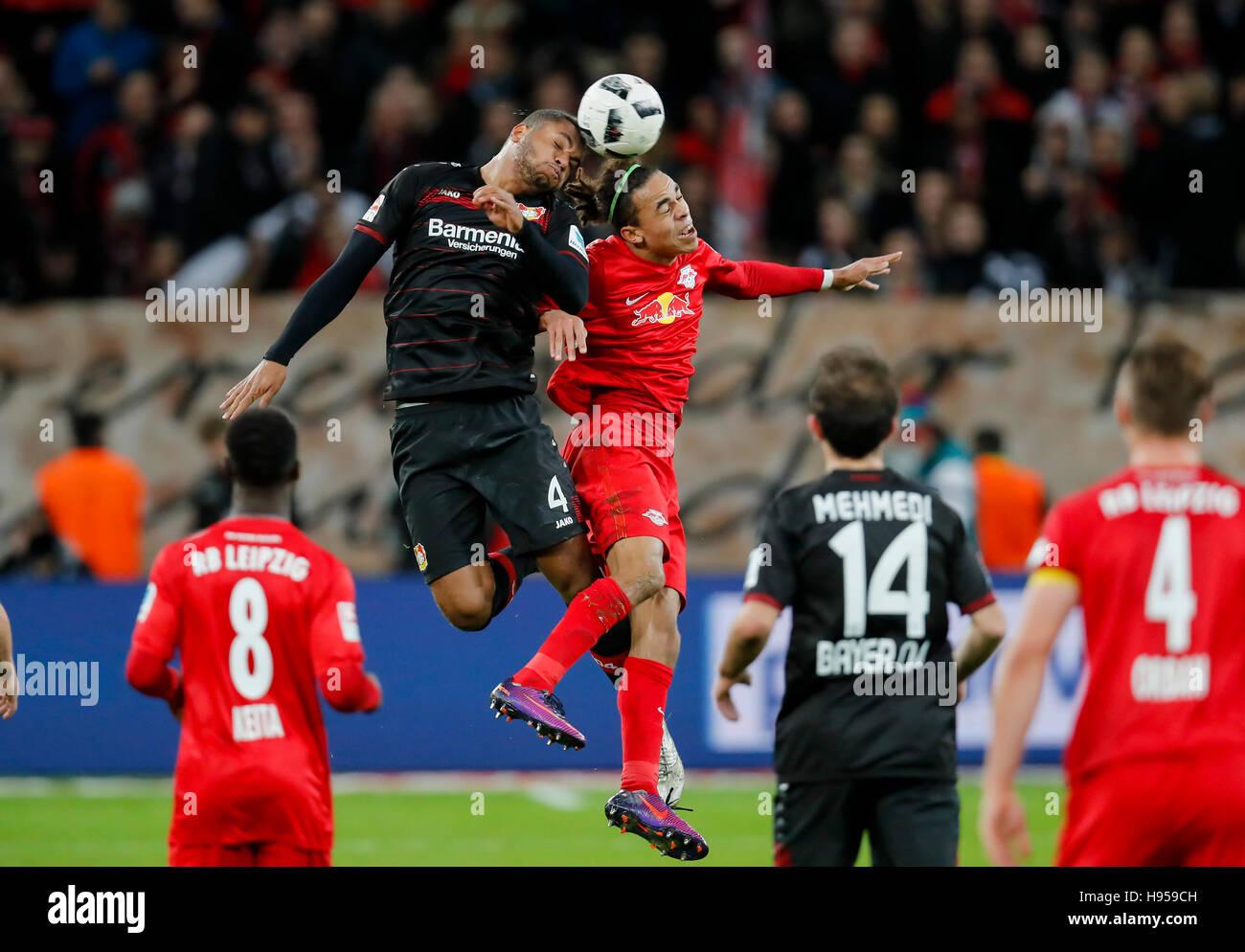 Leverkusen, Germany. 18th Nov, 2016. Jonathan TAH, Lev 4 fights for the ball against Yussuf POULSEN, RB Leipzig - Stock Image