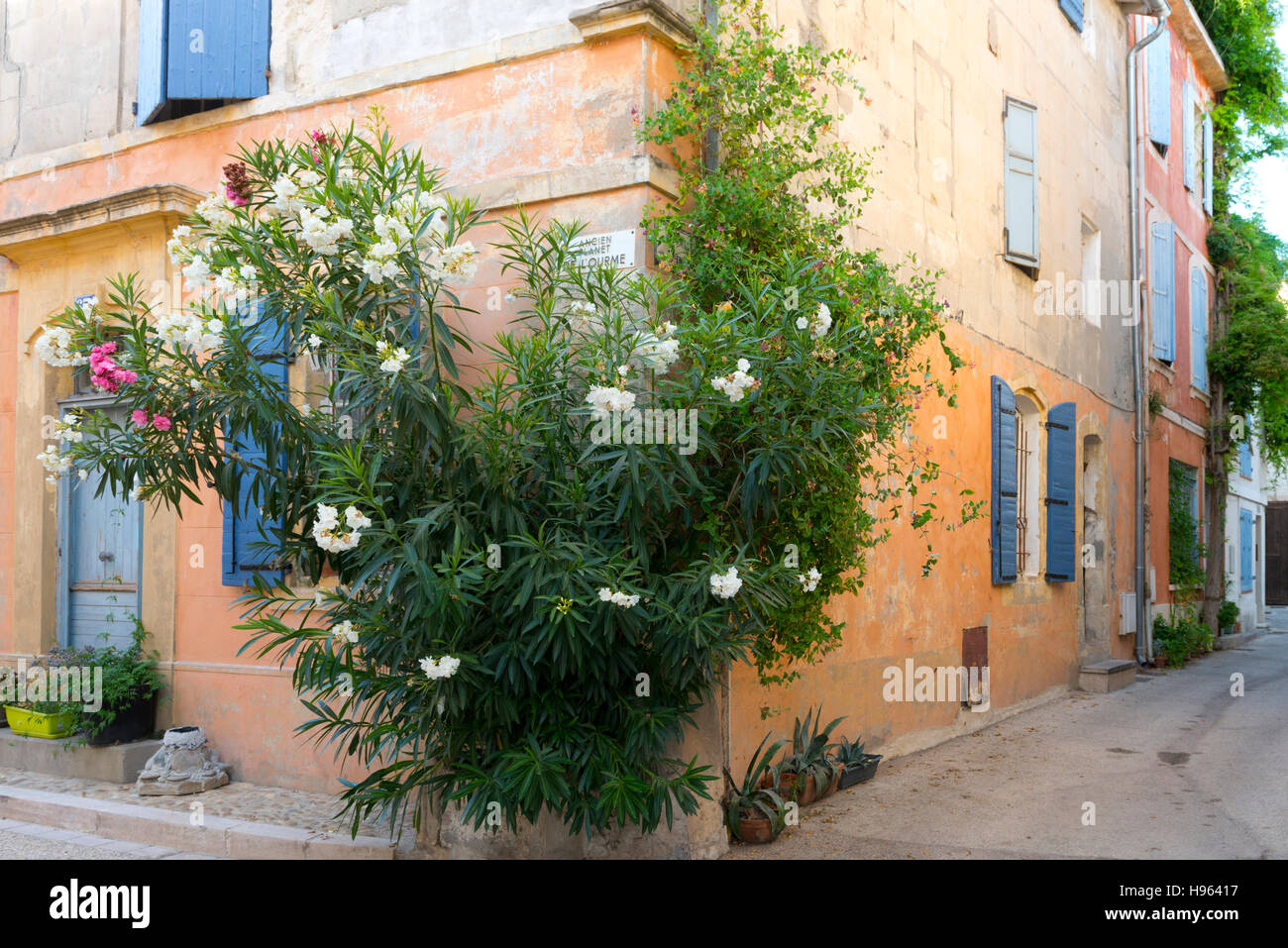 Typical residential streets, Arles France - Stock Image