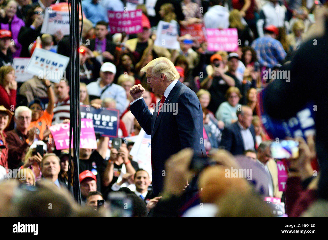 Republican presidential candidate Donald Trump rallies at the Giant Center in Hershey, in Central Pennsylvania, - Stock Image