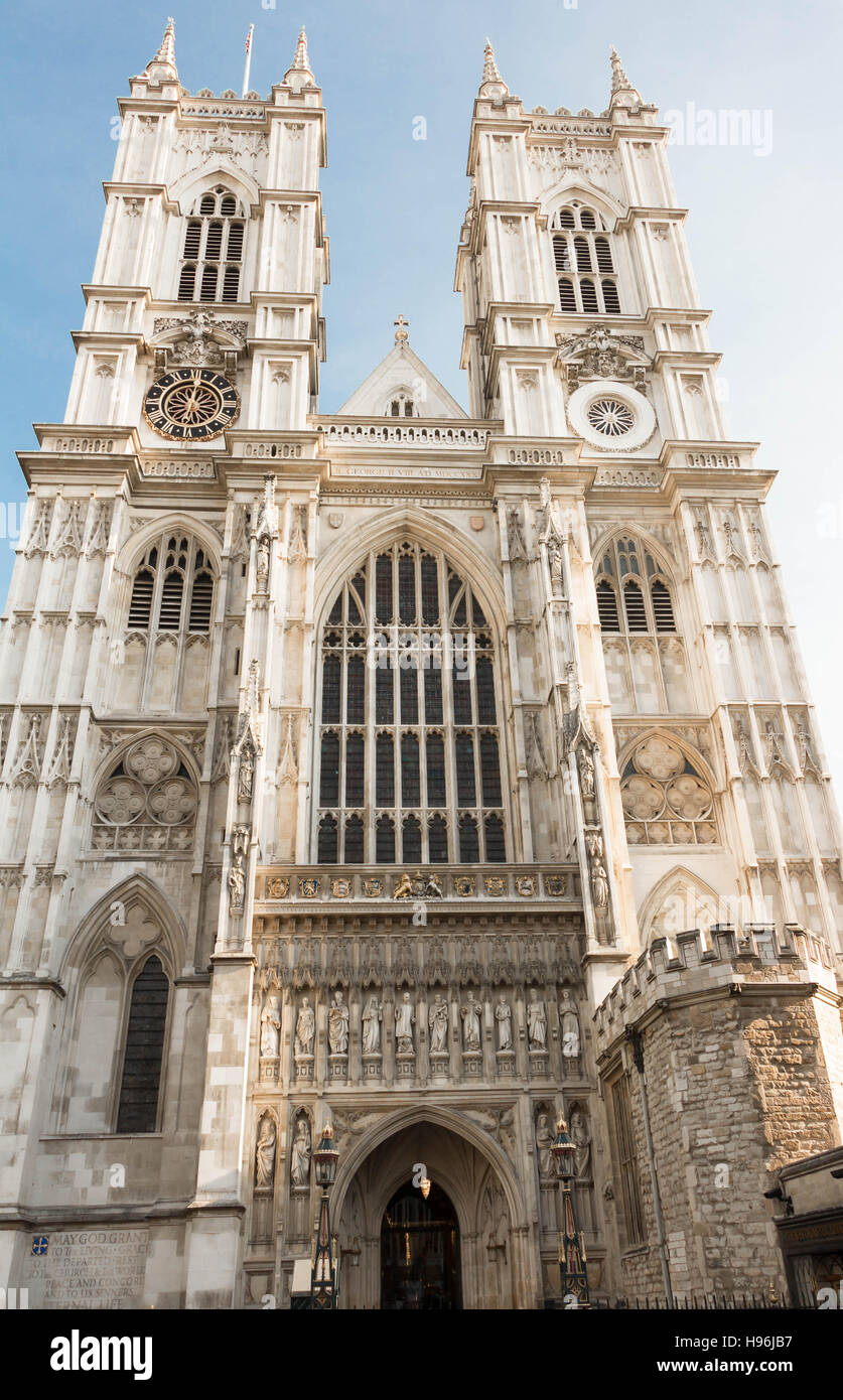 The Westminster Abbey is a large, mainly Gothic abbey church in the city of Westminster , London.It is one of the - Stock Image