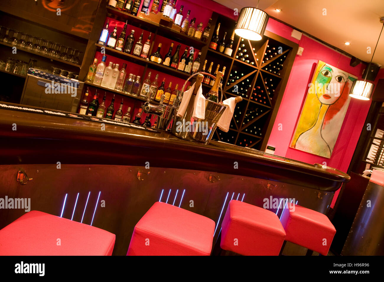 french bar pubs stock photos french bar pubs stock images alamy. Black Bedroom Furniture Sets. Home Design Ideas