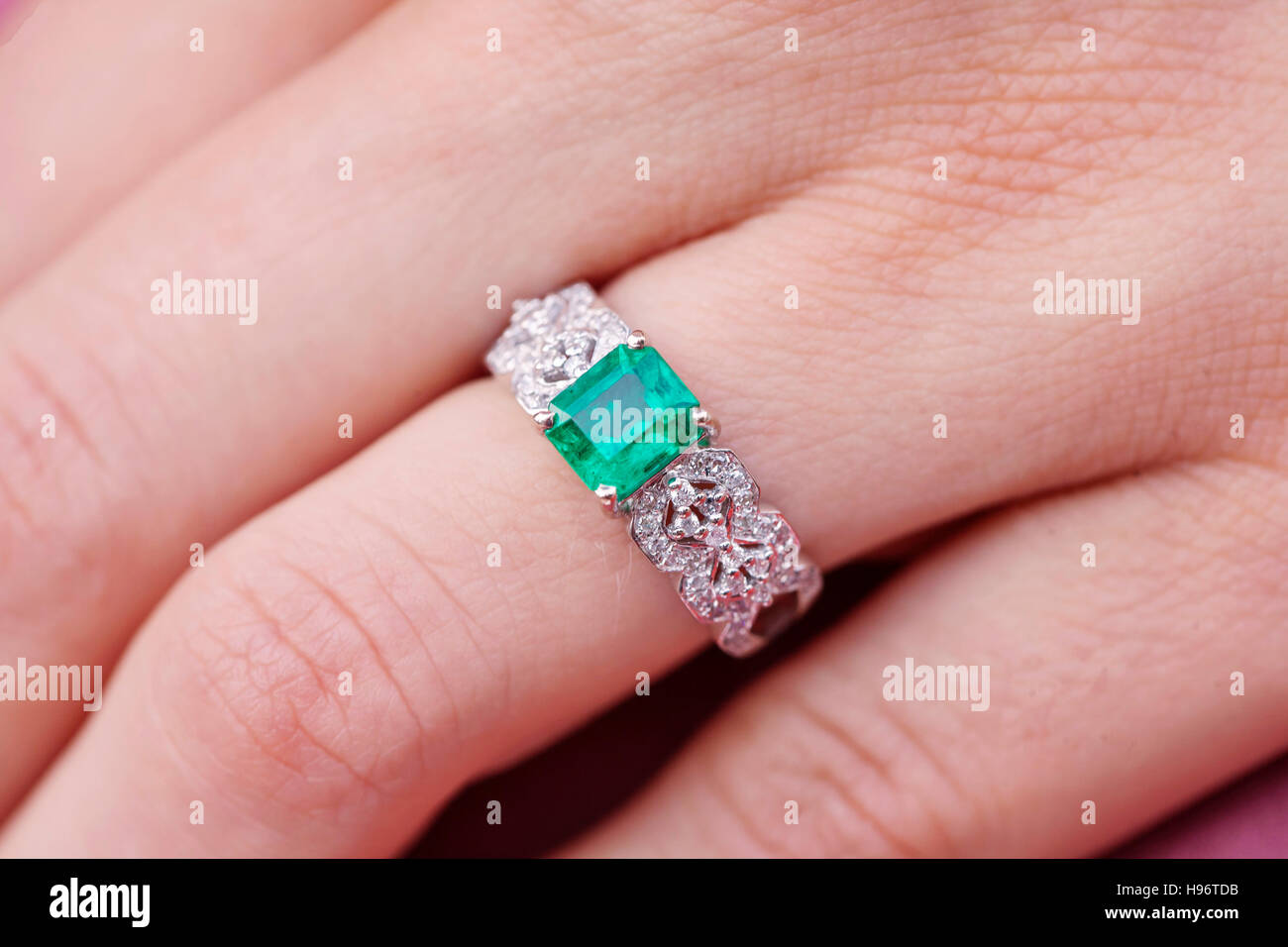 Emerald Ring Stock Photos & Emerald Ring Stock Images - Alamy