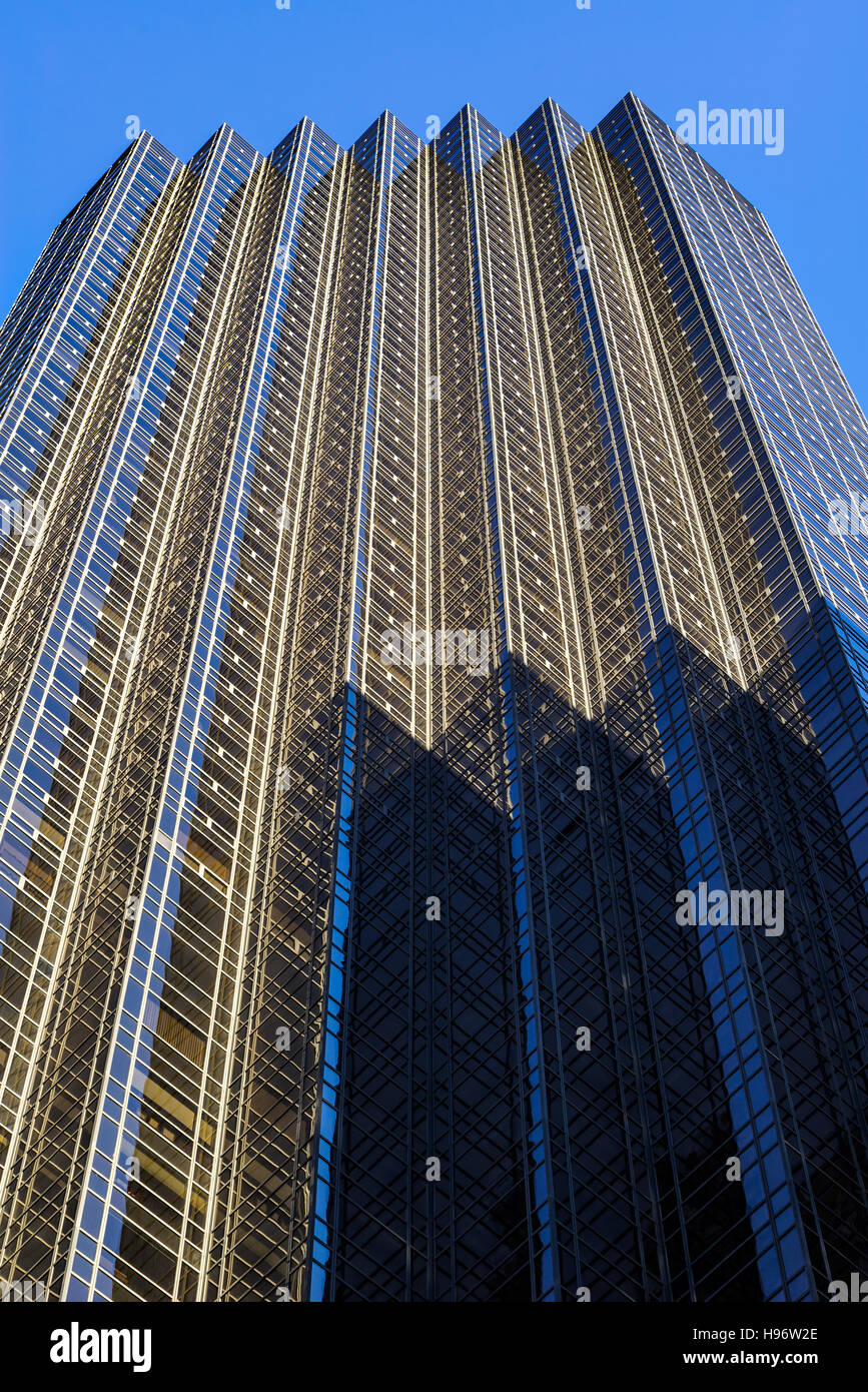 Facade of Trump Tower skyscraper on 5th Avenue, Midtown Manhattan, New York City - Stock Image