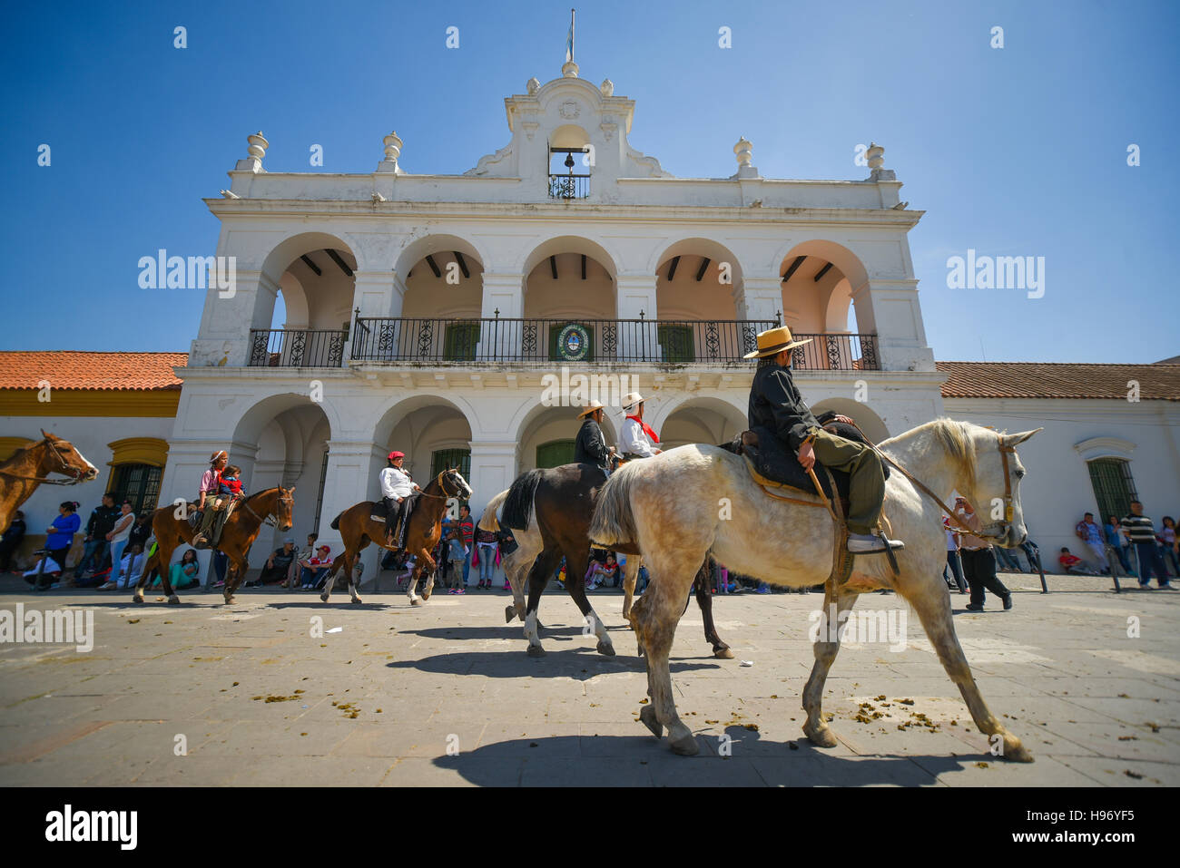 Lujan, Argentina. 25 Sep, 2016. A group of gauchos during the pilgrimage to the Basilica of Our Lady of Lujan. - Stock Image