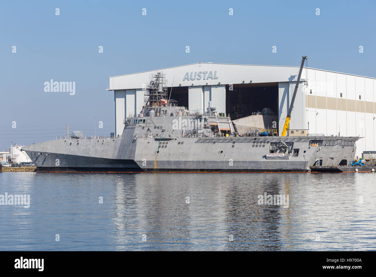 USS Manchester littoral combat ship (LCS) under construction at the Austal Shipyard on the Mobile River in Mobile, - Stock Image
