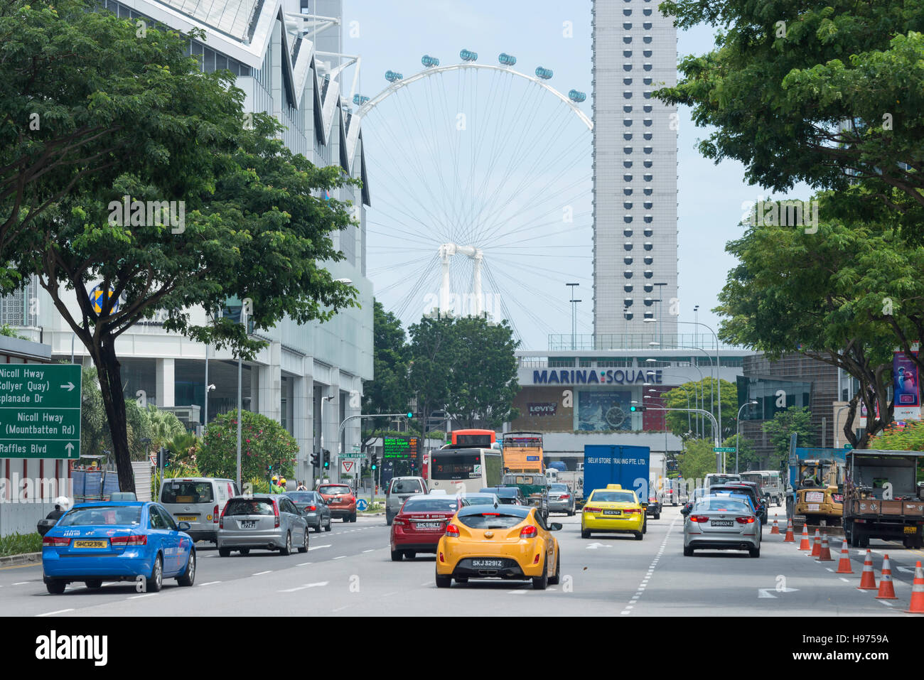 Marina Square and Singapore Flyer from Raffles Boulevard, Downtown Core, Singapore Island, Singapore - Stock Image
