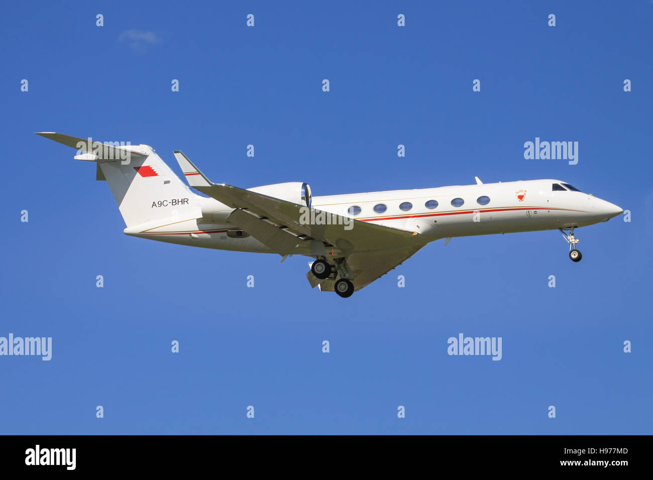 Zurich/Switzerland July10, 2016: Oman Amiri Gulf 5 landing at Zurich Airport. - Stock Image