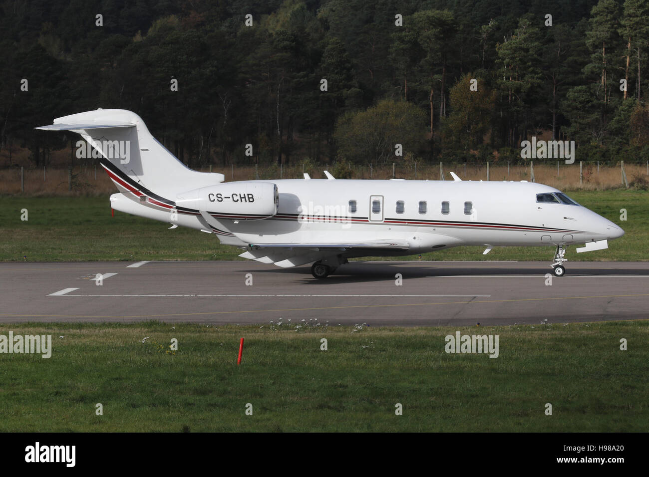 BOMBARDIER CHALLENGER 350 PRIVATE JET. NET JETS - Stock Image