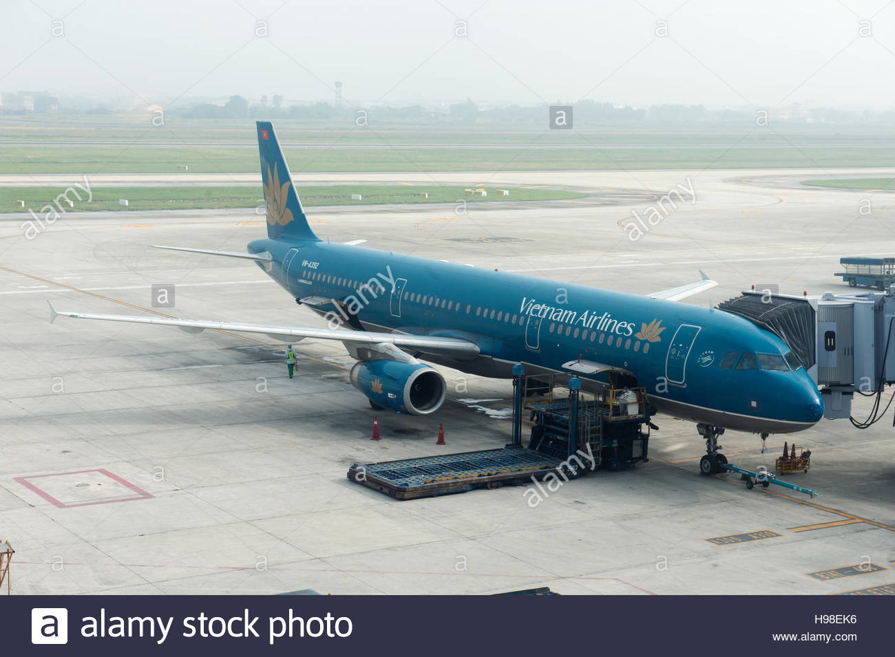 Ha Noi Vietnam. Vietnam Airlines aircraft on the apron at Nội Bài International Airport. VN-A392 Airbus A321 - Stock Image