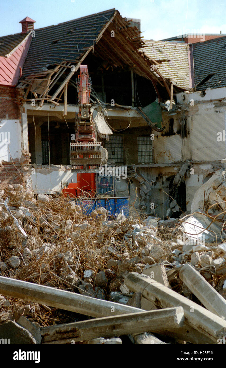 DEMOLITION of house 2009 - Stock Image
