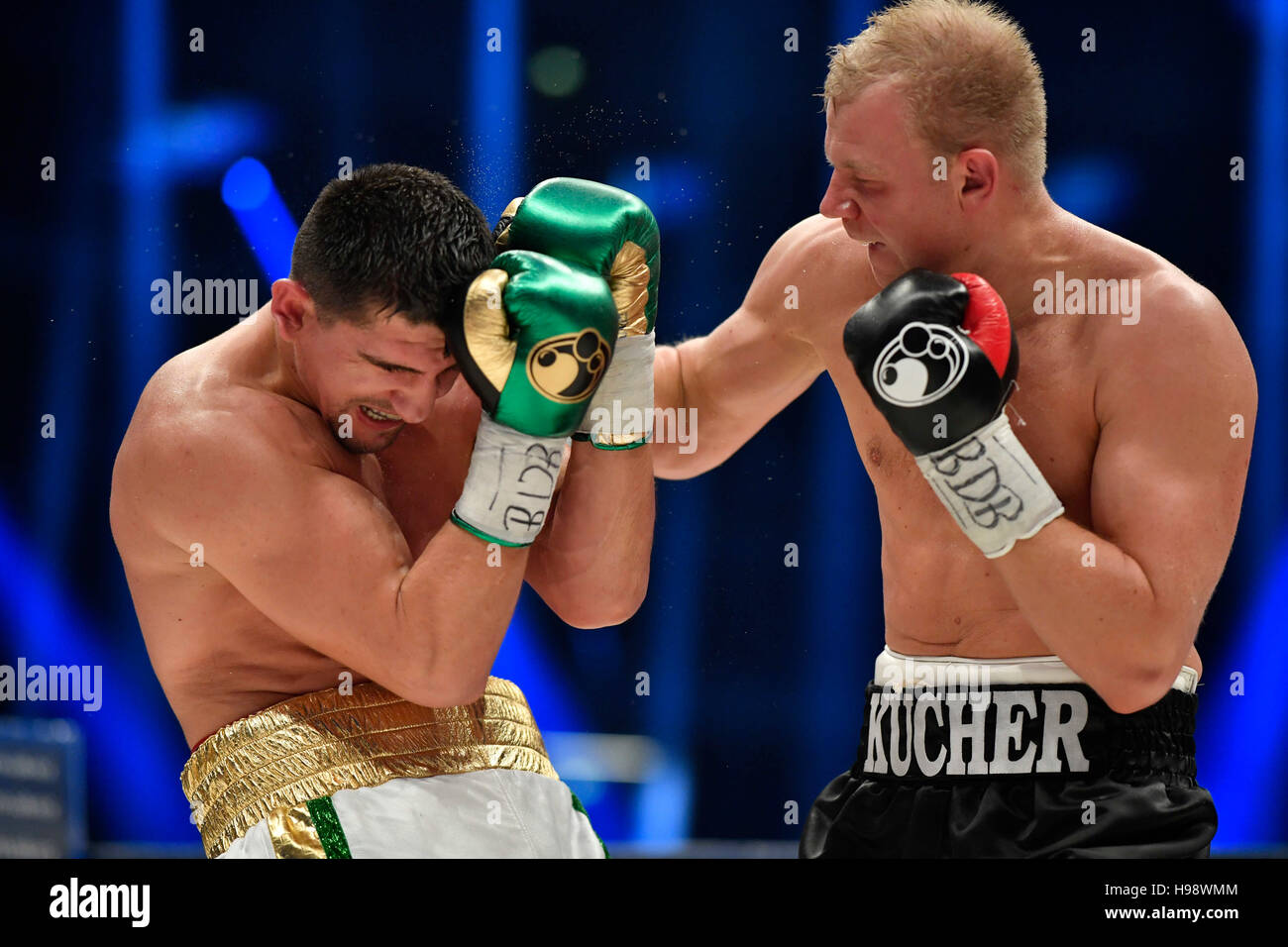 Hanover, Germany. 19th Nov, 2016. IBO World Champion Marco Huck (l) and Dmitro Kutscher from Ukraine in action during Stock Photo