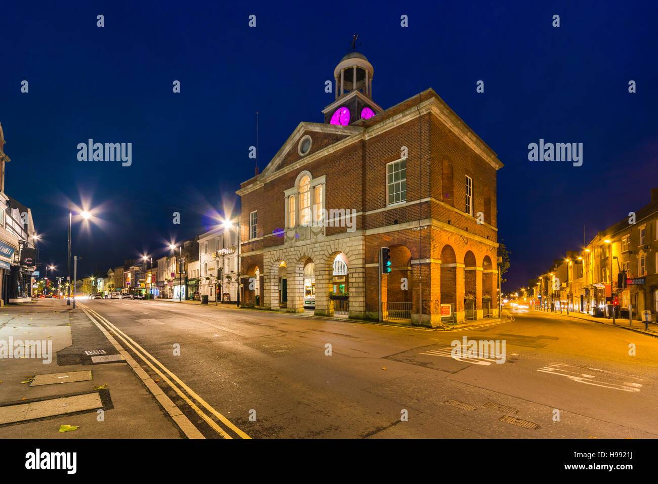 Bridport, Dorset, UK.  20th November 2016.  UK Weather.  A view at dusk of the Town Hall in Bridport in Dorset which - Stock Image