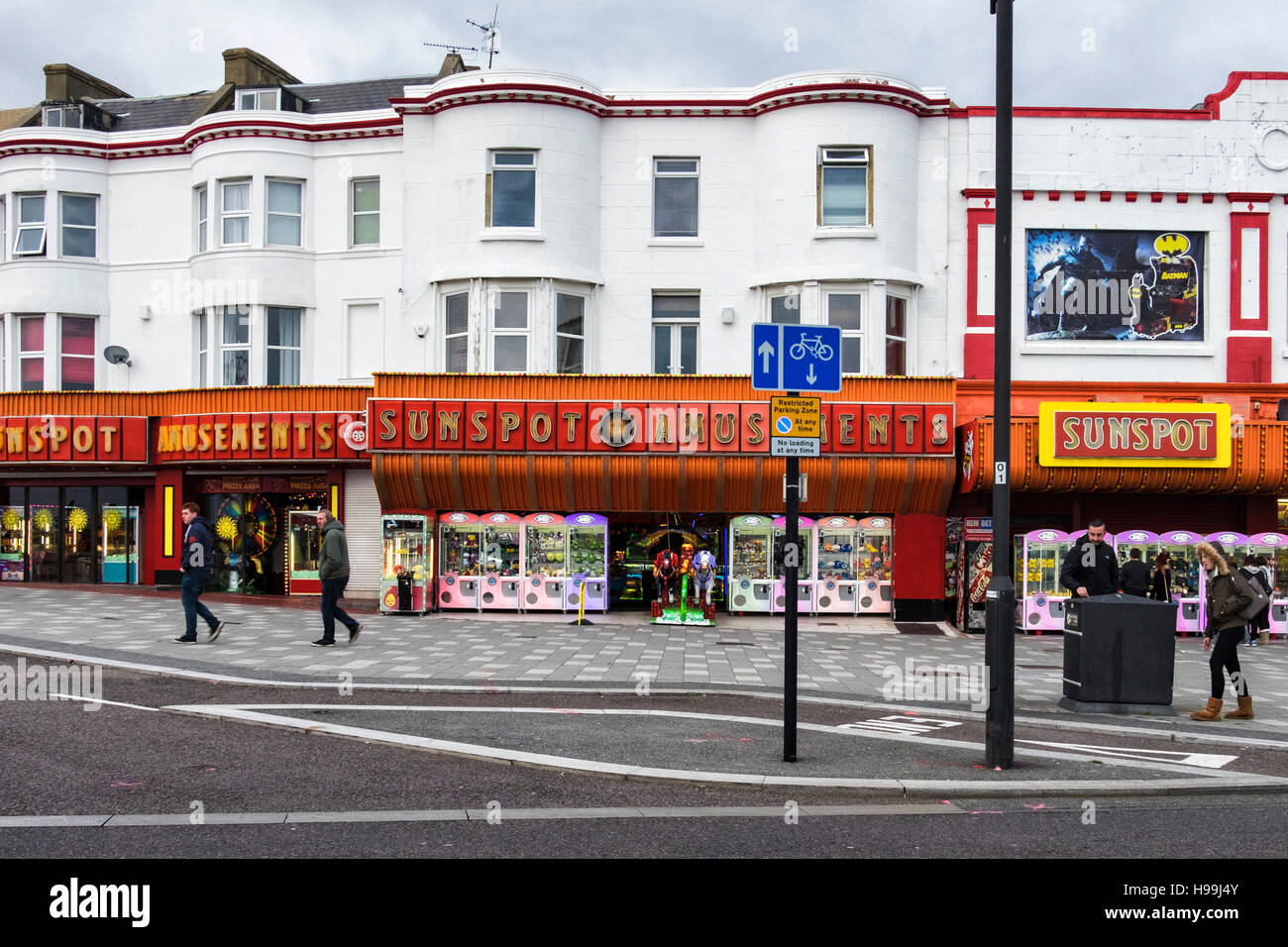 Sunspot amusement arcade for playing games, slot machines and betting. Southend-on-sea, Essex,England - Stock Image