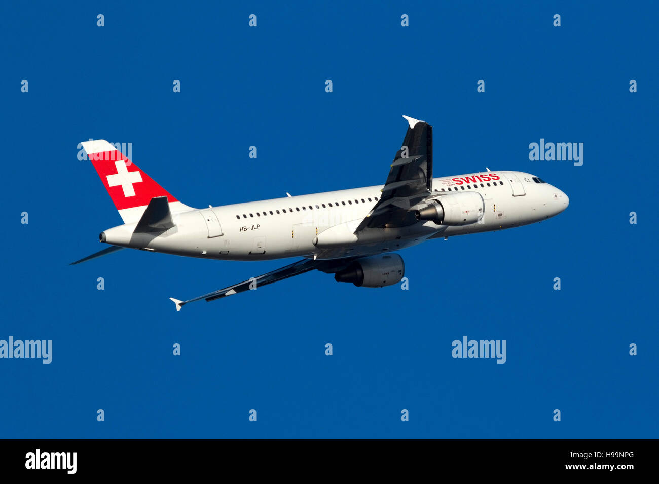 Swiss International Air Lines Airbus A320-214 [HB-JLP] on the climb out of runway 13. - Stock Image