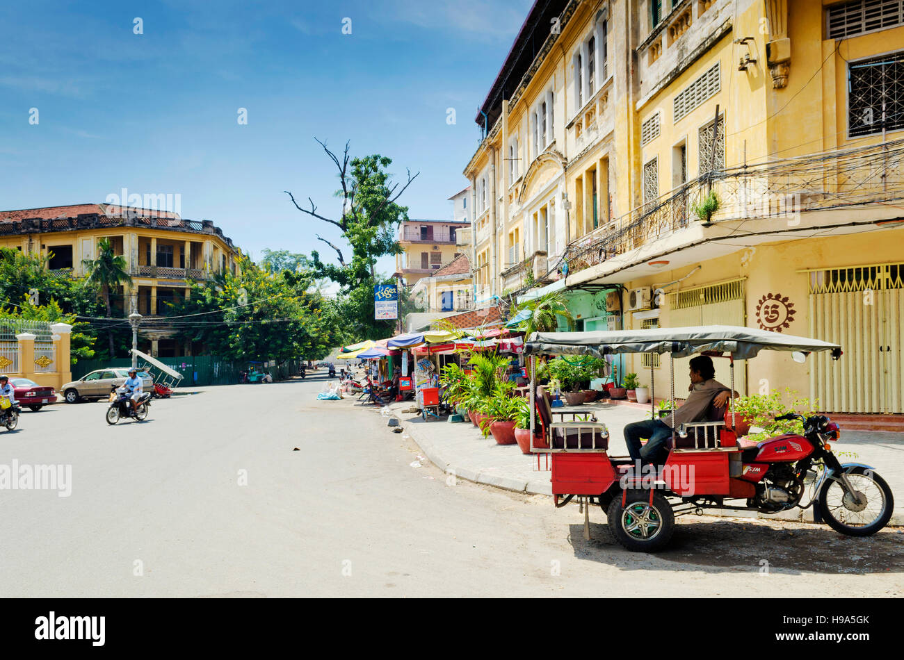 french colonial old town street buildings in phnom penh city cambodia - Stock Image