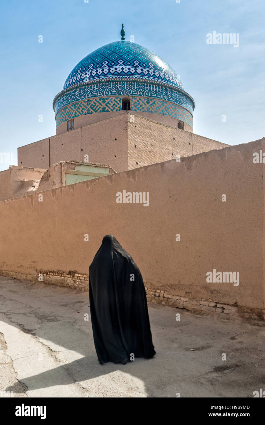 Woman at Twelve Imam Mausoleum Yazd Iran - Stock Image