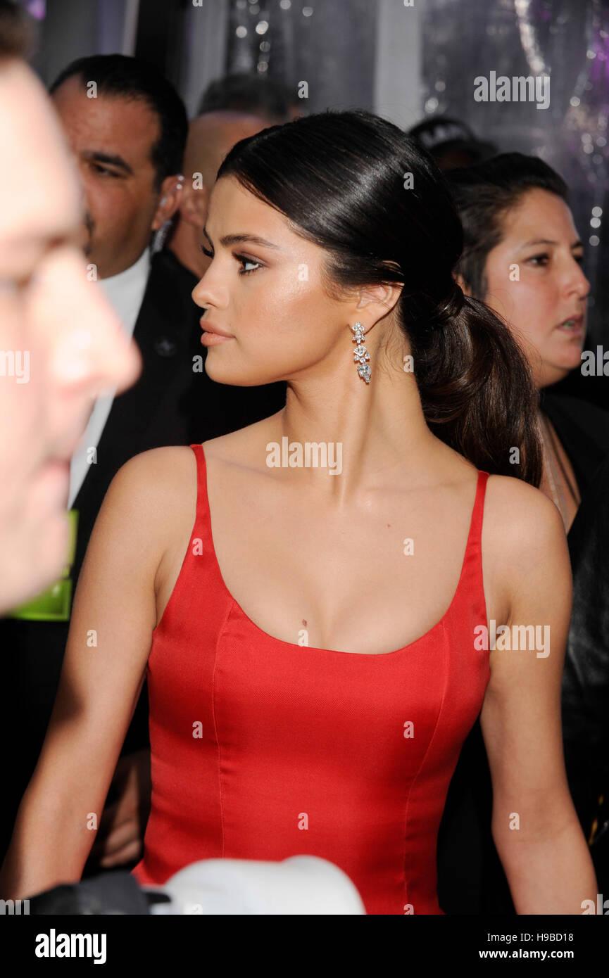 Selena gomez 2016 pics