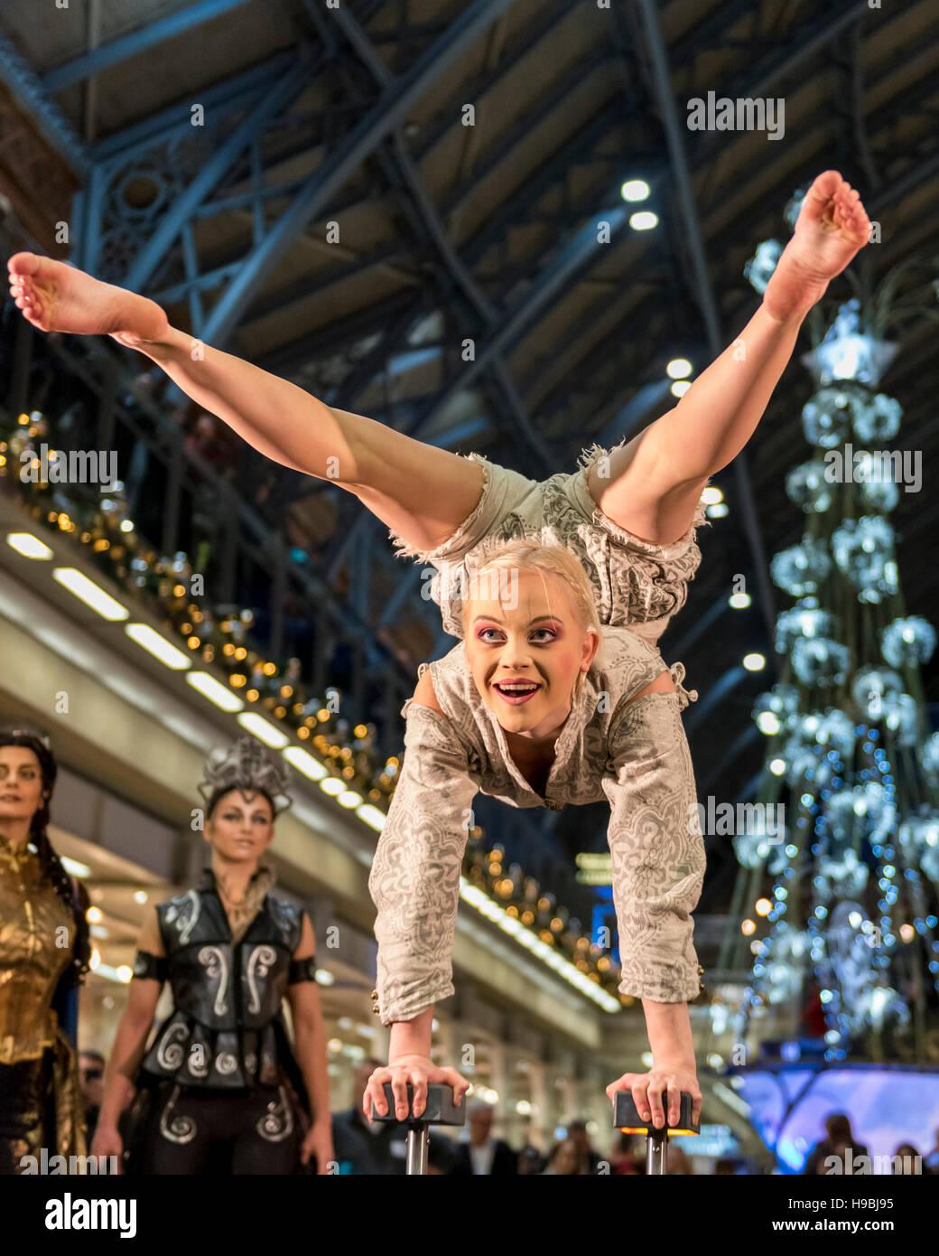 London, UK. 21 November 2016. An acrobat performs as Sara Cox, BBC ...