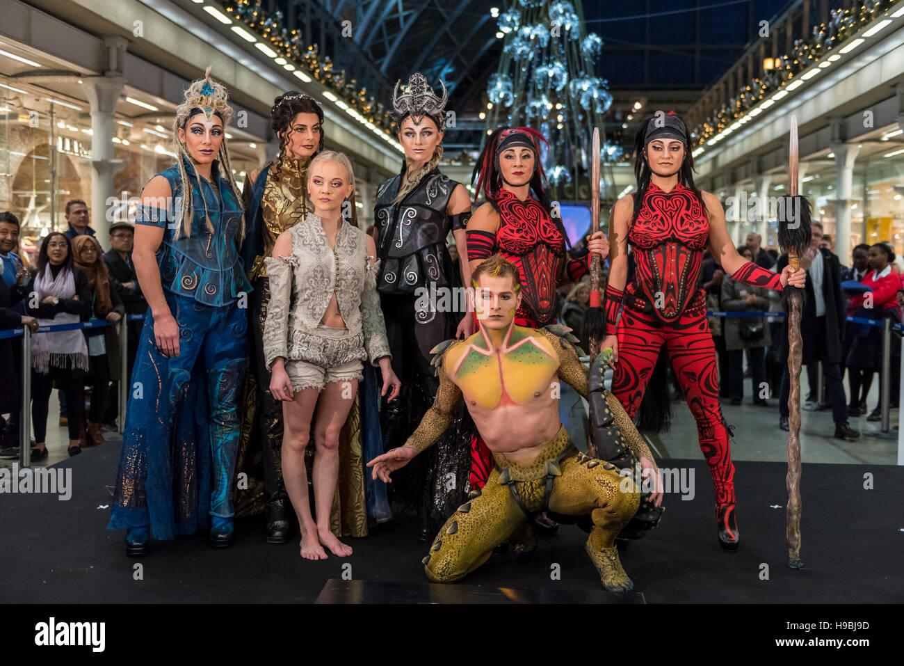 London, UK. 21 November 2016. The cast of Cirque Du Soleil at the ...