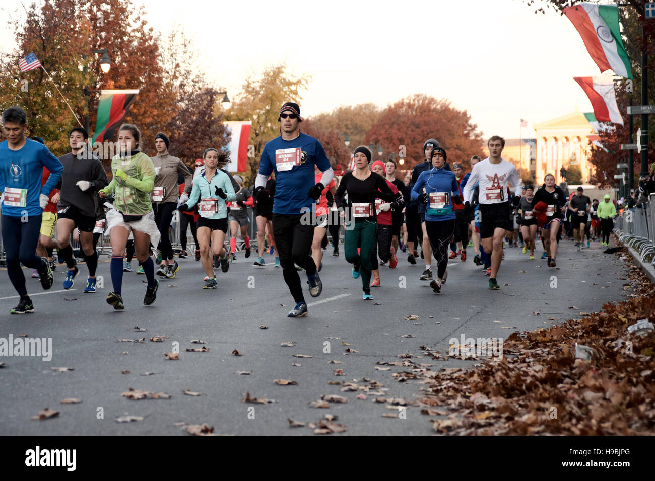 Philadelphia, Pennsylvania, USA. 20th Nov, 2016. Runners at the start line of the 2016 Philadelphia Marathon, on - Stock Image