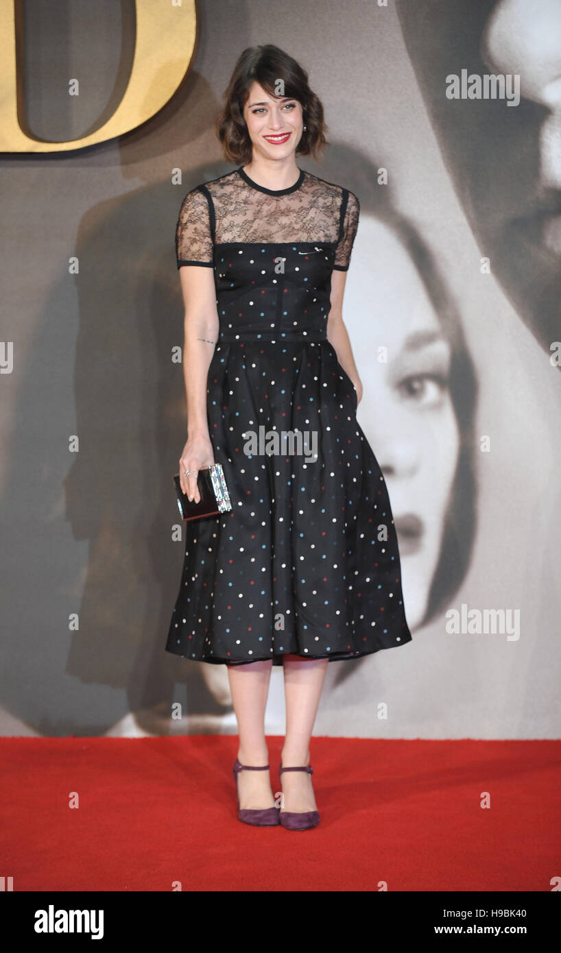 London, UK. 21st Nov, 2016. Lizy Caplan attends the UK Premiere of 'Allied' at Odeon Leicester Square. Credit:  Ferdaus Shamim/ZUMA Wire/Alamy Live News Stock Photo