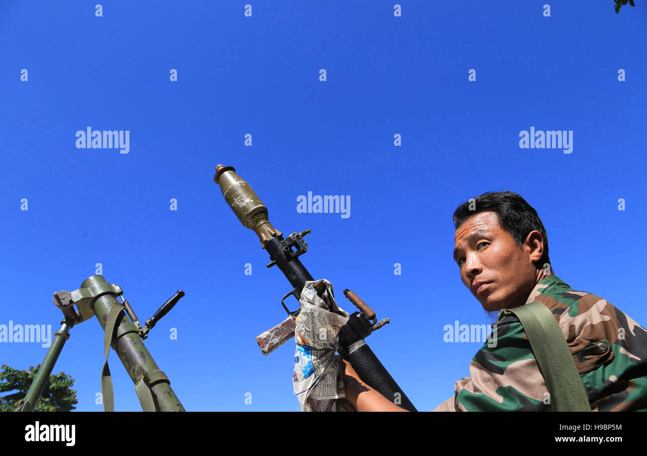 Dimapur, India. 22nd Nov, 2016.A cadre of National Socialist Council of Nagaland-Unification  stand alone with his - Stock Image