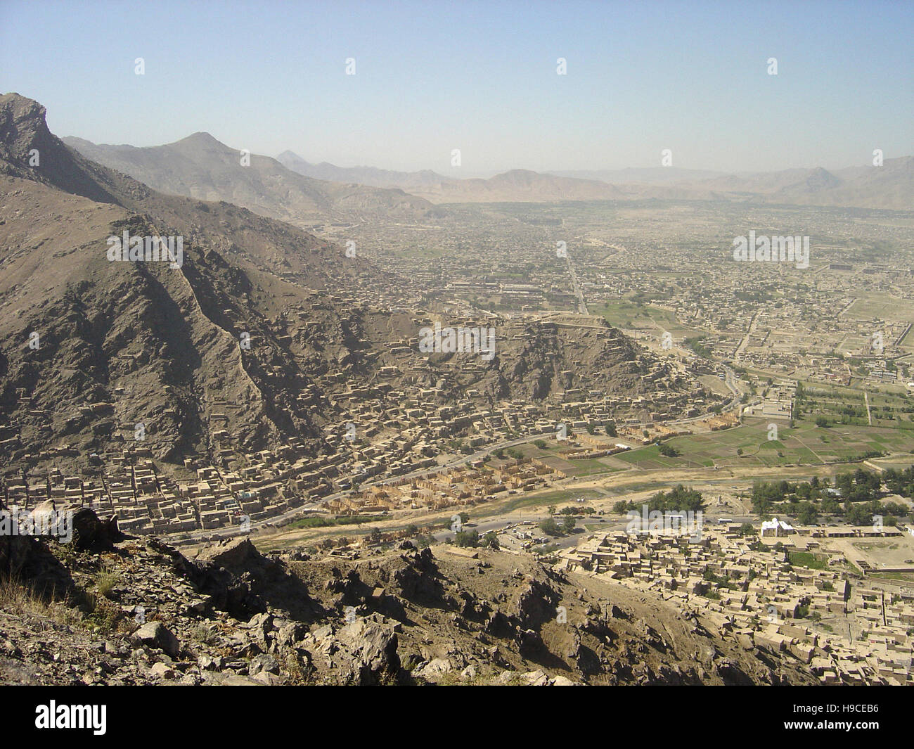 28th May 2004 Viewed from the top of the Asmai Heights (TV hill): an aerial view of Kabul, looking to the south. Stock Photo