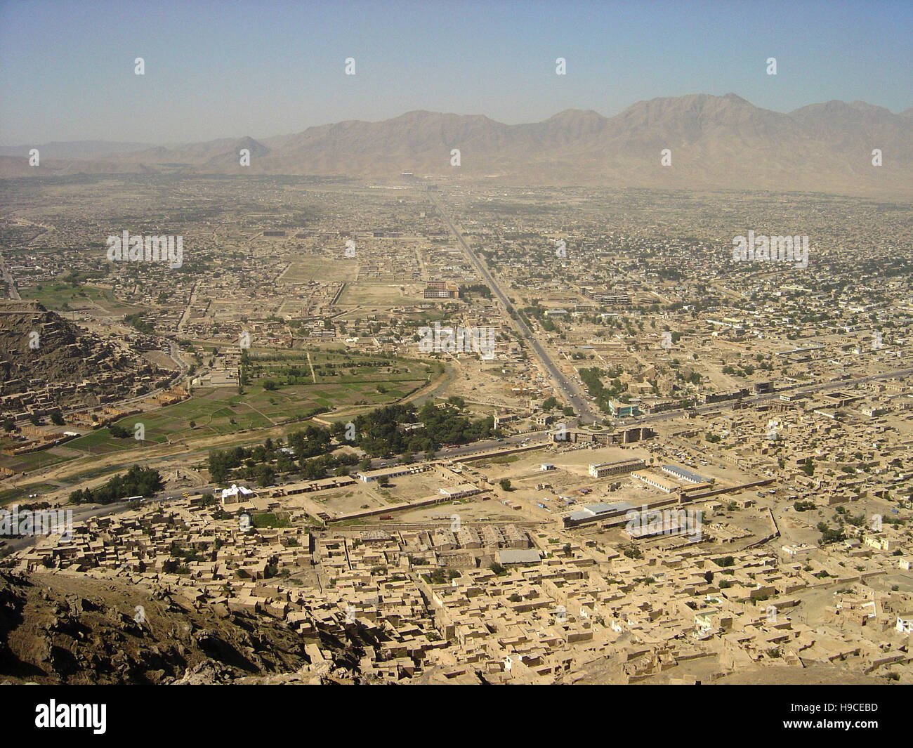 28th May 2004 Viewed from the top of the Asmai Heights (TV hill): an aerial view of Kabul, looking to the south Stock Photo